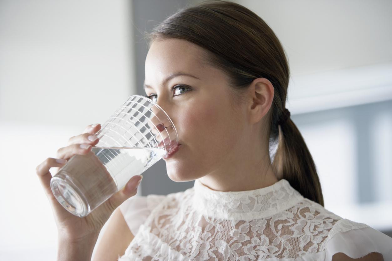 la-salute-in-4-bicchieri-dacqua