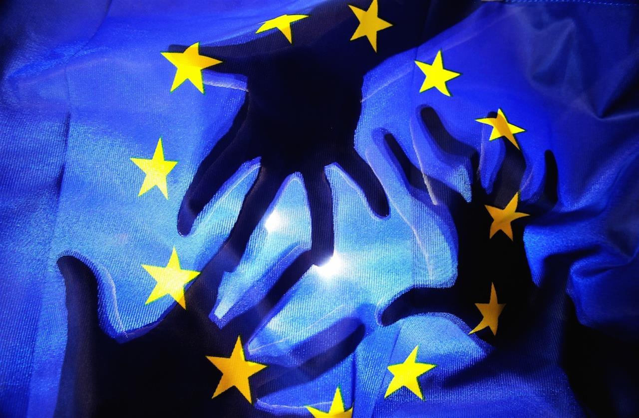 democrazia-europea-falso-mito