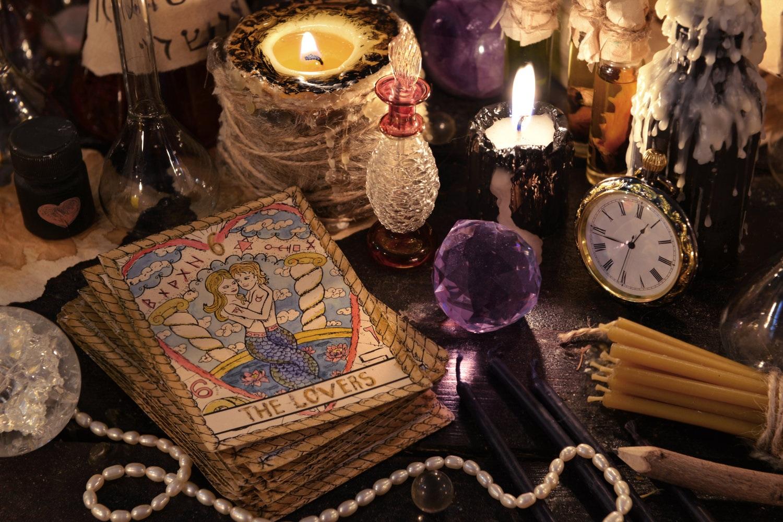 8-miliardi-per-astrologi-e-maghi