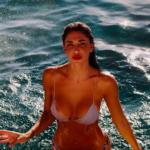 belen, Le foto di Belen al mare che vi eravate persi