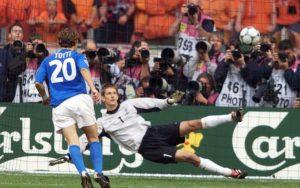 francesco totti, Lo sguardo  di  Francesco Totti