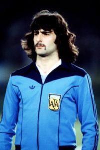 """mario kempes, Kempes:""""Maradona è meglio che stia zitto"""""""