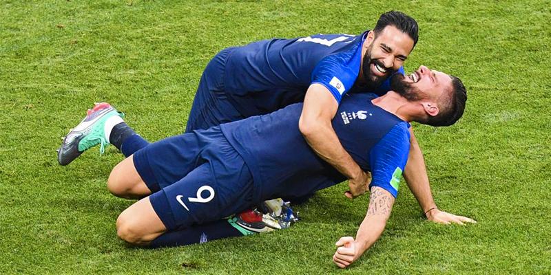 Giroud, Hazard e Giroud regalano calcio in Premier