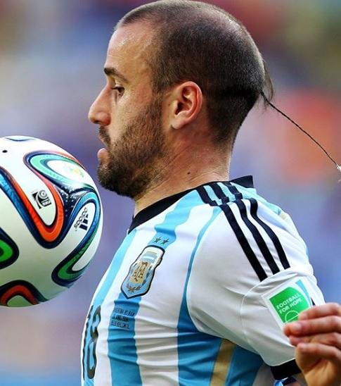 10 capigliature, CLASSIFICA: Le 10 capigliature più strane della storia del calcio.