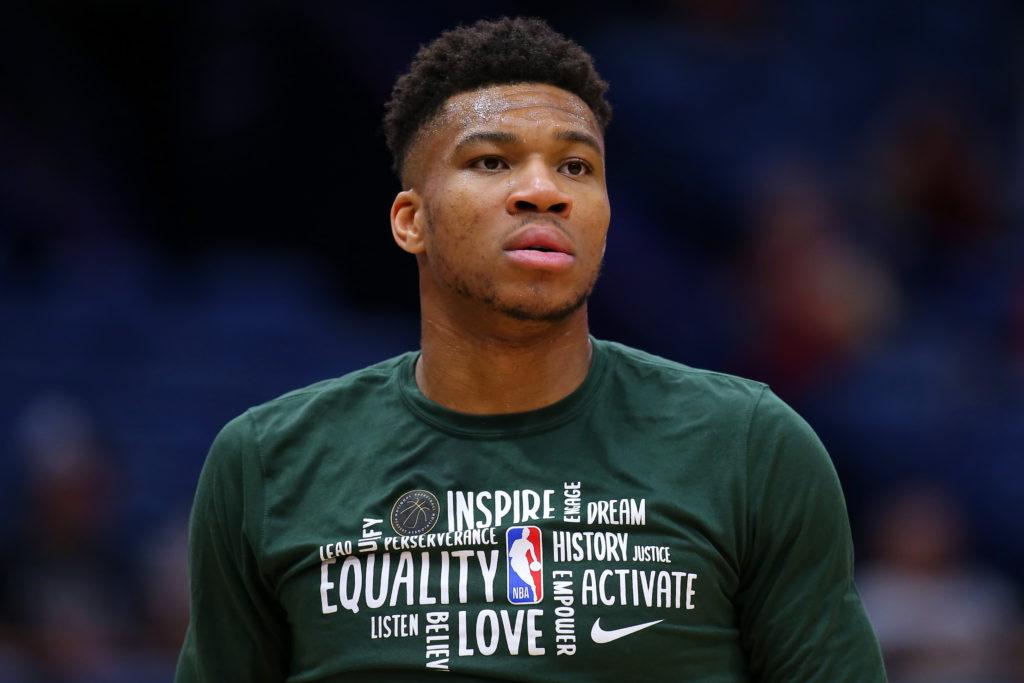, Giannis VS Zion, il duello infiamma la notte NBA