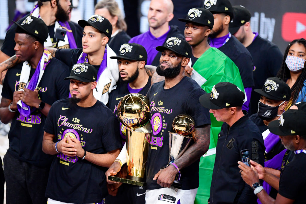 """, LeBron James vince il premio """"Sportperson of the year"""" di Sports Illustrated"""
