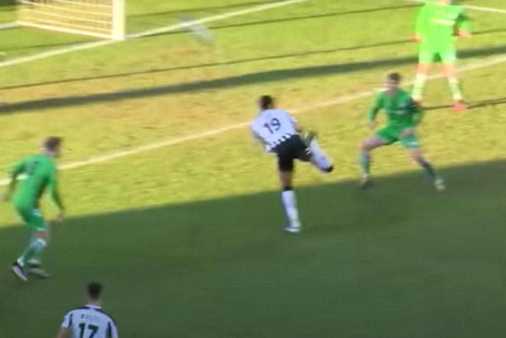 """, Lo """"scorpione"""" del Notts County è il gol più spettacolare dell'anno (VIDEO)"""