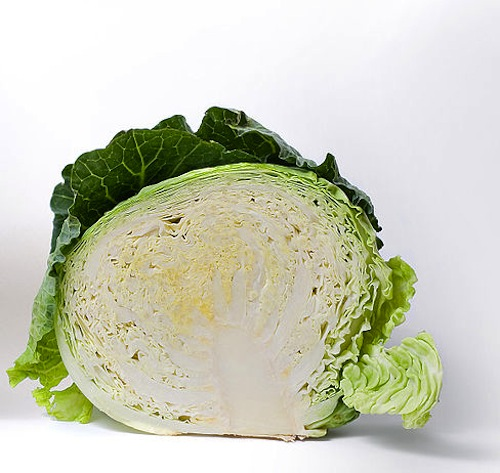 1024px-Cabbage_and_cross_section_on_white