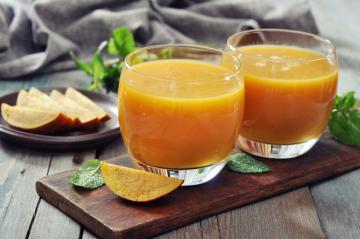 centrifugato-di-mango-carote-e-arance