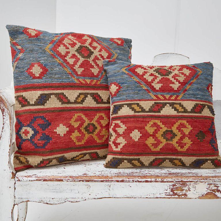 taurus-cushions-square-