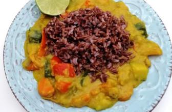 Curry di verdure con lenticchie rosse decorticate