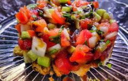 Panzanella croccante: come preparare un'insalata fresca e nutriente