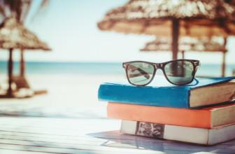 Libri e gatti: 4 romanzi per l'estate da leggere sotto l'ombrellone.