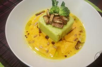Sformatino di broccolo in vellutata di carote e tofu speziato