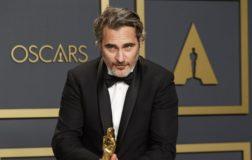 Joaquin Phoenix vince l'Oscar 2020 come migliore attore per il suo ruolo in Joker, film sull'antispecismo