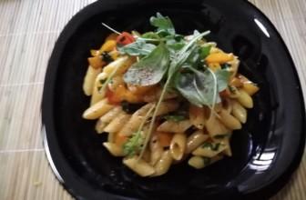 Pasta con peperoni e rucola fresca – Ricetta veloce