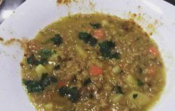 Zuppa di farro con lenticchie gialle e porro – Ricetta gustosa