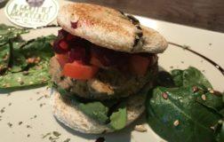 Veggie Burger di fagioli occhio nero: come preparare uno strepitoso panino