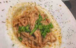Spaghetti di farro al pesto di noci e mandorle con brunoise di zenzero e asparagi