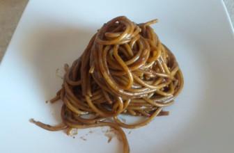 Spaghettoni alla crema di aglio nero di Voghiera