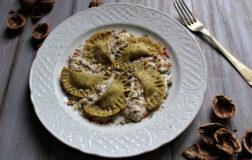 Ravioli Gluten-free Vegan al grano saraceno con salsa alle noci