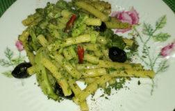 Napellini rigati con broccolo siciliano, olive nere e capperi