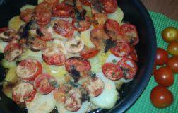 Gratin di seitan con patate e pomodorini alla mediterranea