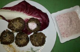 Polpette golose di funghi e patate con salsa tzatziki al ravanello