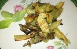 Carciofi e patate al forno, piatto leggero e gustoso