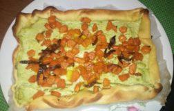 Torta brisè vegan con crema di broccolo romanesco e carote