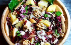 Variopinta insalatona invernale con patate rosse e radicchio