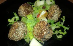Polpettine di fagioli neri, ricche di proteine vegetali