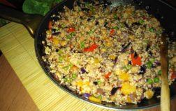 Bulgur, miglio e riso rosso con verdurine croccanti