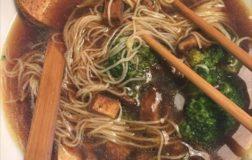 Ramen vegan con broccoli e funghi shitake – Ricetta etnica