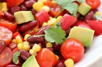 Insalata vegana messicana pronta in 5 minuti