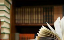 L'associazione Liberazione Animale sensibilizza l'opinione pubblica donando libri etici alla biblioteca comunale di Foggia