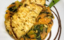 Tempeh agrumato con verdure, ricetta nutriente