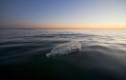 Greenpeace lancia Plastic Radar contro i rifiuti di plastica nei mari
