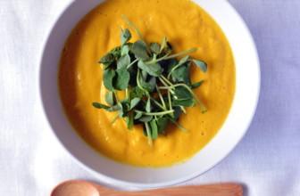Crema vegana di carote al curry, la ricetta deliziosa