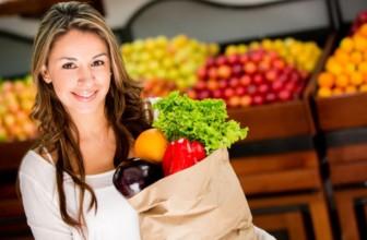 Spesa di agosto, frutta e verdura di stagione da mettere nel carrello.