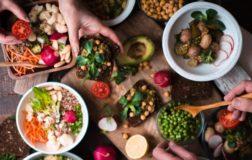 Vegan Liftz lancia la sfida a tutti i carnivori americani: diventare vegani per un mese in cambio di 2500 dollari