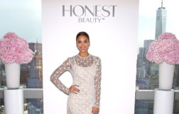 Honest Beauty: i cosmetici naturali firmati da Jessica Alba venduti anche in Italia