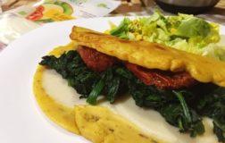 Omelette vegan con spinaci, pomodori secchi e fettine di Mozzarisella