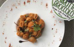 Pipe rigate in salsa di ceci e paprika, facile, buona e veg