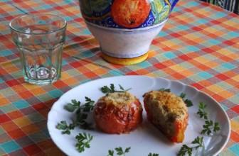 Come preparare i pomodori estivi gratinati