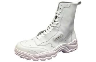 Bella Hadid sceglie Rombaut, il brand di scarpe vegane