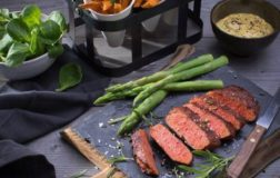 Vivera produce la prima bistecca vegan. In arrivo nei supermercati anche in Italia