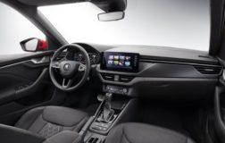 Skoda realizza interni vegani per il Kamiq SUV, con un materiale chiamato ArtVelour