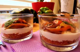 Tartine al bicchiere: per un aperitivo fresco e originale.