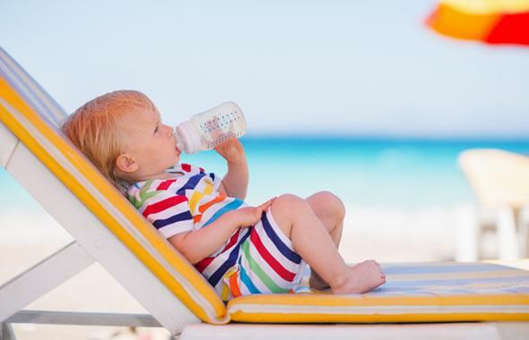 bambino in spiaggia